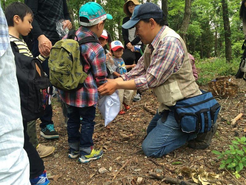 写真:森のムッレ教室① 森にでかけよう