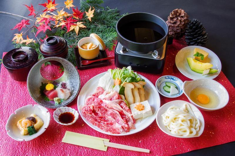 松茸と三ケ日牛のすき焼き@7700.jpg